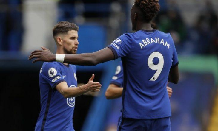 Lojtarët e Chelsea përplasen mes vete për të ekzekutuar penalltinë(VIDEO)