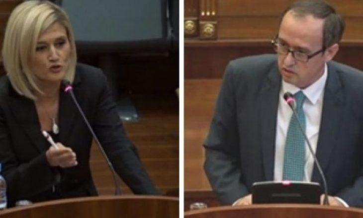 Tensione në Kuvend, Hoti – Kusarit: T'i sa herë që i ndërron ulëset i ndërron pozicionet