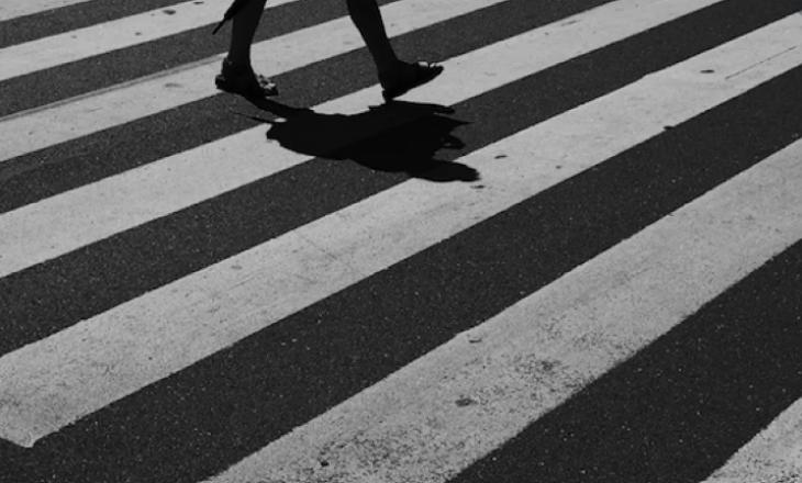 Gjakovë: Vetura godet një këmbësor