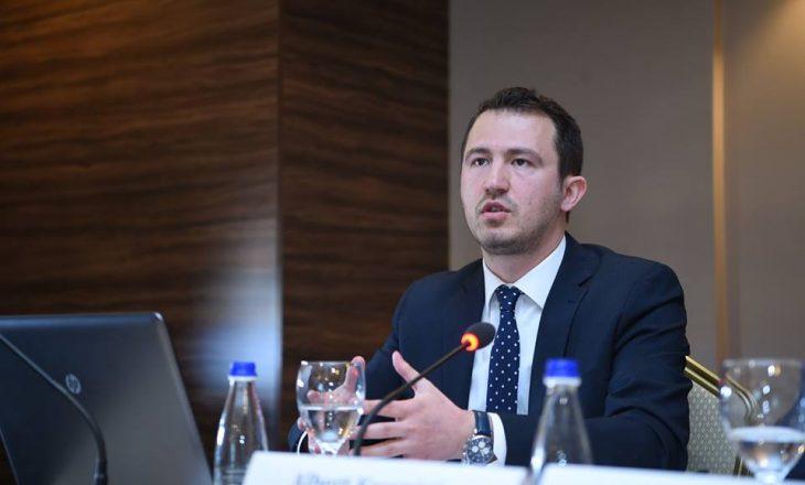 Krasniqi: Vjedhja e dy milionëshit për shkak të punësuarve me lidhje politike si dhe mungesës së denimeve