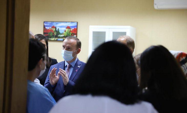 """""""Do të angazhojmë edhe 375 profesionistë shëndetësorë"""""""
