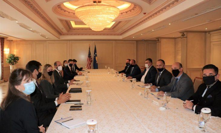 Kuçi takohet me delegacionin amerikan, diskutojnë për fizibilitetin e Ujmanit