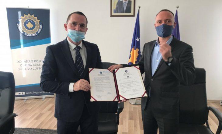 Xhaka ia dorëzon detyrën drejtorit të ri të Doganës