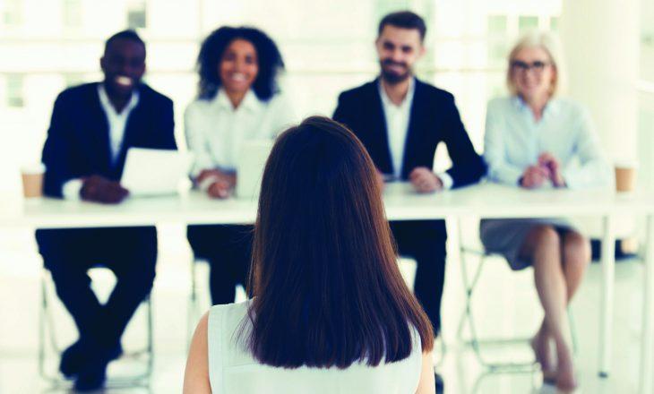 Si të përgjigjeni në pyetjet më të ndërlikuara në intervistat e punës?