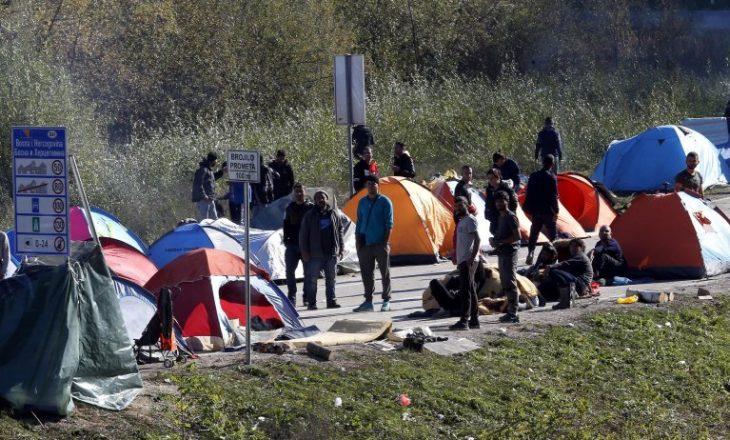 Bosnje: Vriten dy emigrant pakistanez