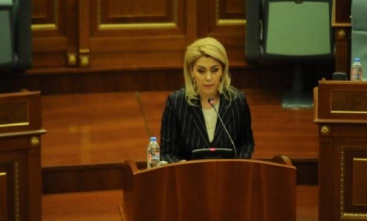 Blerta Deliu për tekstet e historisë: Është fyer i gjithë populli shqiptar – autorët për një honorar qesharak kanë rënë në lajthitje me pjesëmarrjen e tyre