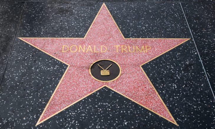 """Vandalizohet prap ylli i presidentit Donald Trump në """"Walk of Fame"""""""