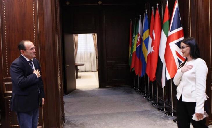 Kryediplomatja: Pasivizimi i adresave të shqiptarëve në Serbi është alarmante