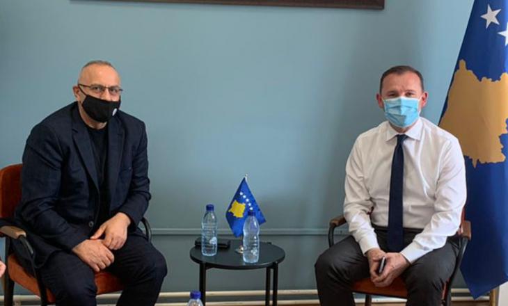 Drejtuesit e FFK-së takohen me Zemajn – kërkohet lejimi i tifozëve për ndeshjen ndaj Sllovenisë