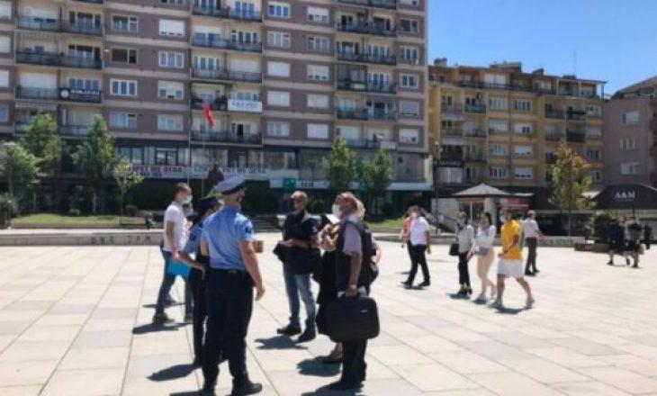 Policia nuk ndalet së dënuari shkelësit e rregullave anti-COVID