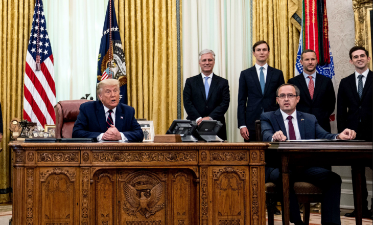 Hoti uron shërim të shpejtë nga COVID-19, për Trump dhe gruas së tij