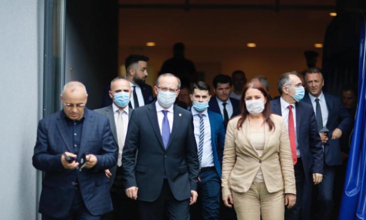 Hoti ia huq në urimin për kualifikimin e Kosovës