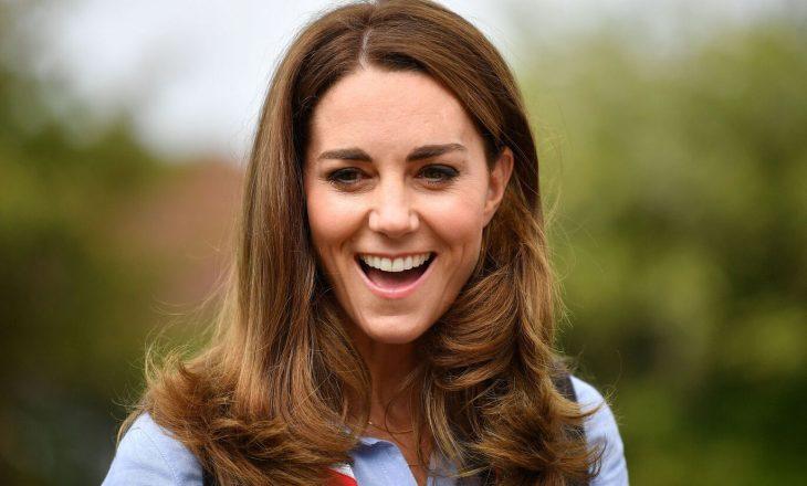 Dukesha Kate Middleton na mëson disa truqe se si të stilojmë rrobat