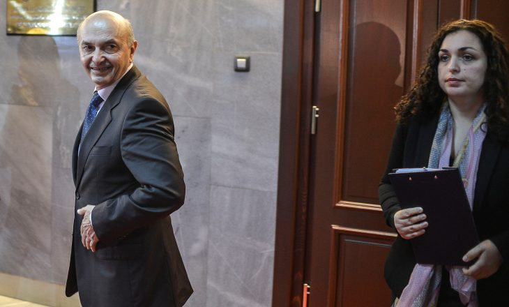 Mustafa e pyet Osmanin: Kënd e përfaqëson si kryeparlamentare?