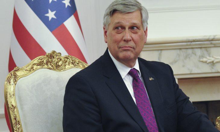 Ambasadori amerikan shprehet i zhgënyer me sistemin penal