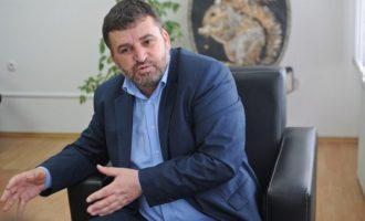 Ministri Kuçi thotë se s'ka konflikt interesi nëse kompania e tij fiton tenderë të shpallur nga Qeveria