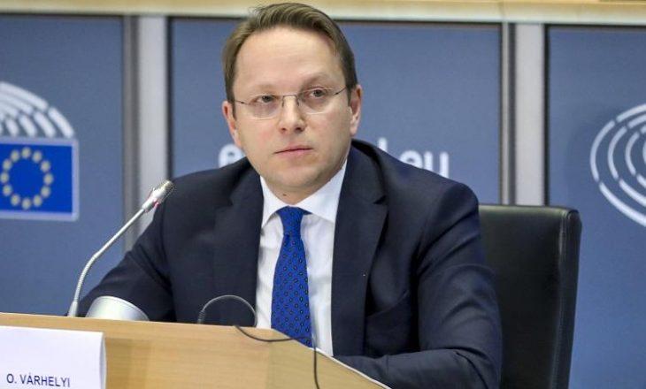 Pas Hotit Komisioneri evropian takohet edhe me Vuçiqin