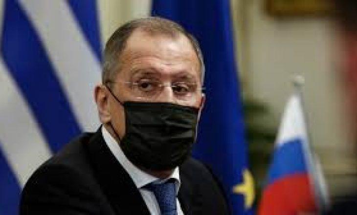 Lavrov vet-izolohet pas një kontakti me një person të infektuar me Covid-19