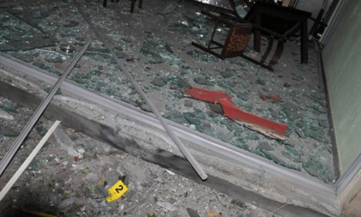 Prishtinë: Me shishe të benzinit i vë zjarrin një lokali dhe ikë