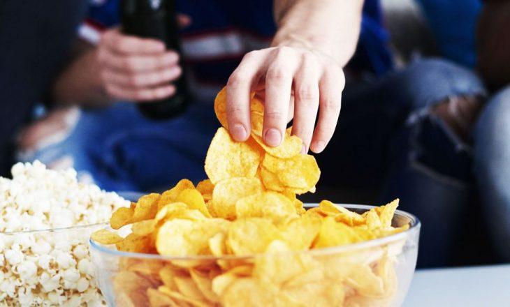 Çfarë ndodhë me trupin tuaj kur hani çipsa rregullisht?
