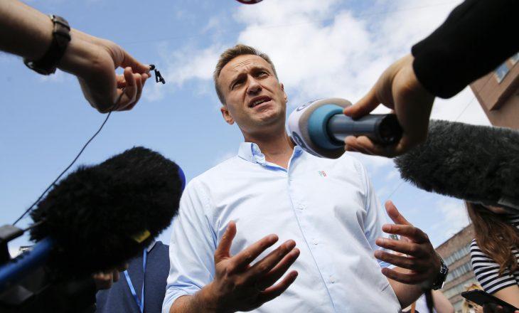 Navalvy do të arrestohet sapo të zbret në Rusi, paralajmëron Shërbimi i Burgjeve
