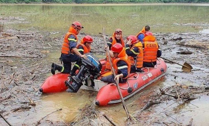 Vietnam, 13 persona humbin jetën nga rrëshqitja e dheut