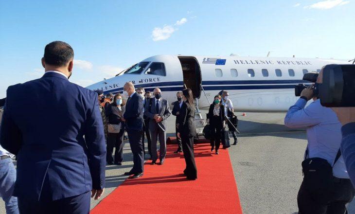 Dendias jep shenja se Greqia do t'a njohë Pavarësinë e Kosovës