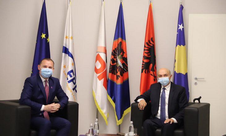 Zemaj e Mustafa bisedojnë për menaxhimin e pandemisë