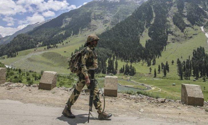 Raportohet viktima nga konflikti në Kashmir mes Indisë dhe Pakistanit