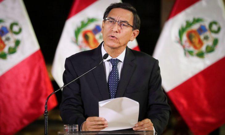 Shkarkohet presidenti i Perusë