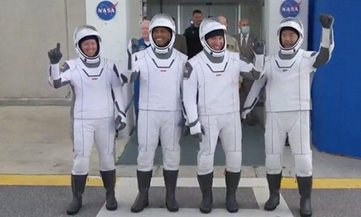 Ekipi i astronautëve nis udhëtimin për në Stacionin Ndërkombëtar të Hapësirës