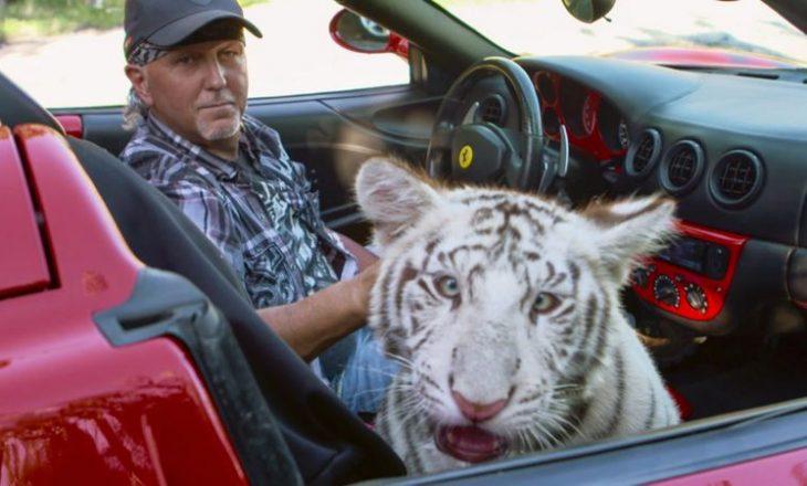 Ylli i Tiger King akuzohet për trajtim çnjerëzor të kafshëve