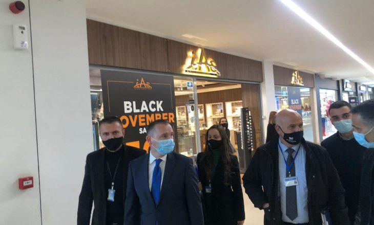 """Zemaj inspekton qendrat tregtare në Prishtinë për të parandaluar grumbullimin për """"Black Friday"""""""