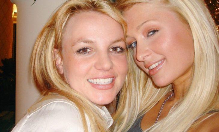 Paris Hilton feston 'zbulimin e selfie-ve' me Britney Spears