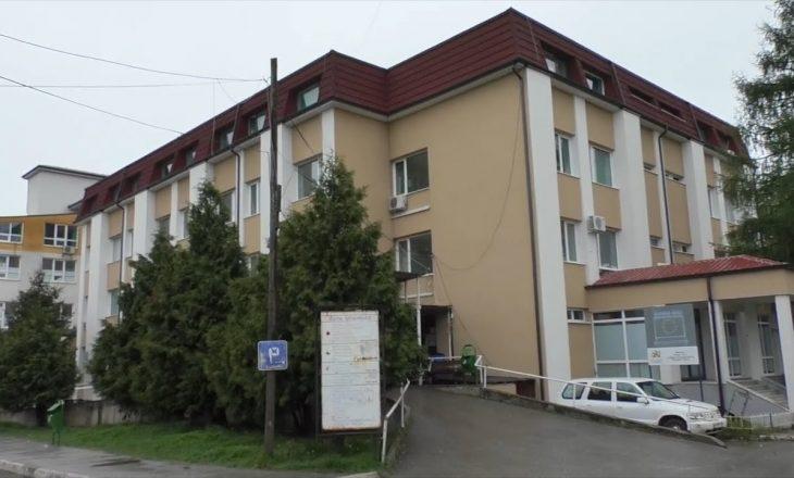 34 persona me COVID-19 të hospitalizuar në Spitalin e Gjakovës