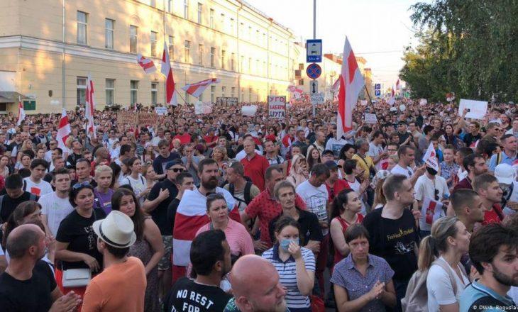 Bjellorusi: Arrestohen më shumë se 140 persona në protestat qeveritare