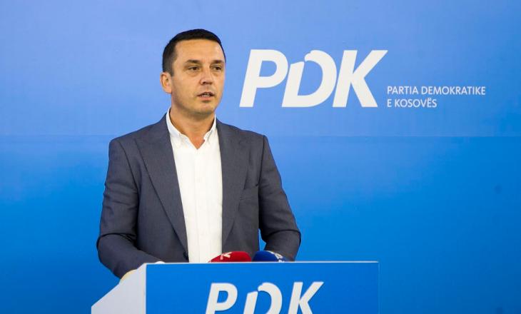 """PDK kritikon dy qeveritë e fundit si """"pa ide"""" dhe """"pa vizion"""""""