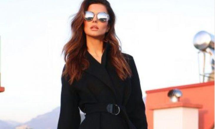 Elegante në të zeza, veshja e Agnesa Vuthajt kalon shifrën e 50 mijë eurove