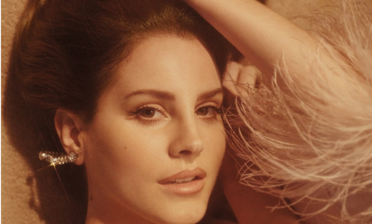 "Lana Del Rey paralajmëron albumin ""American standards and classics"""