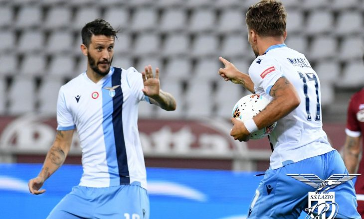 Tre lojtarë rezultojnë me Covid-19 te Lazio