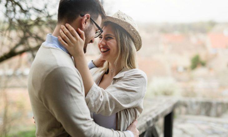 Studimi i Harvard-it: Suksesi i një martese varet nga profesioni i bashkëshortit