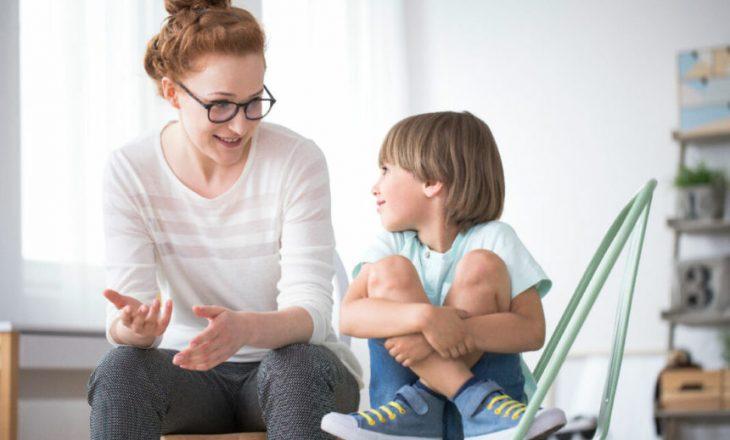 T'u përgjigjesh pyetjeve të fëmijëve tuaj në detaje është e rëndësishme për suksesin e tyre