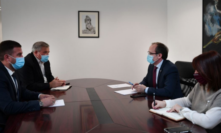 Hoti kërkon nga Bosnje Hercegovina heqjen e vizave dhe hapjen e Zyrave Ndërlidhëse