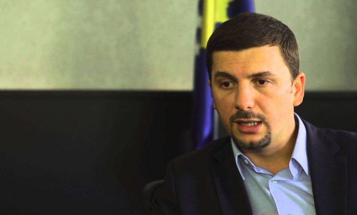 Krasniqi për Thaçin e Veselin: Ata e mposhtën Serbinë
