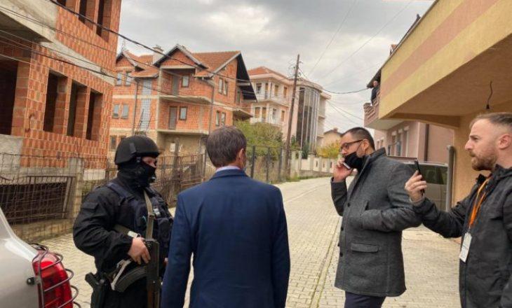 Ministri i NISMA's shkon te shtëpia e Jakup Krasniqit, pengohet nga EULEX-it