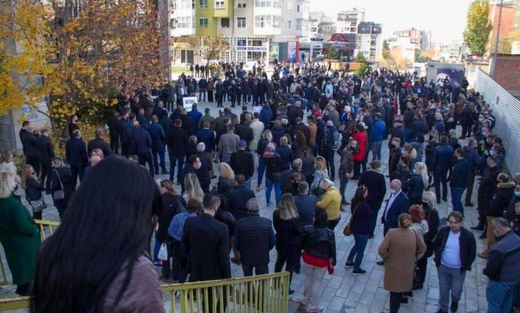 Punërotët e Telekomit të hënën në protestë