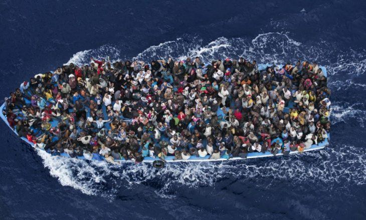 Pesë të vdekur në Libi nga përmbytja e anijes