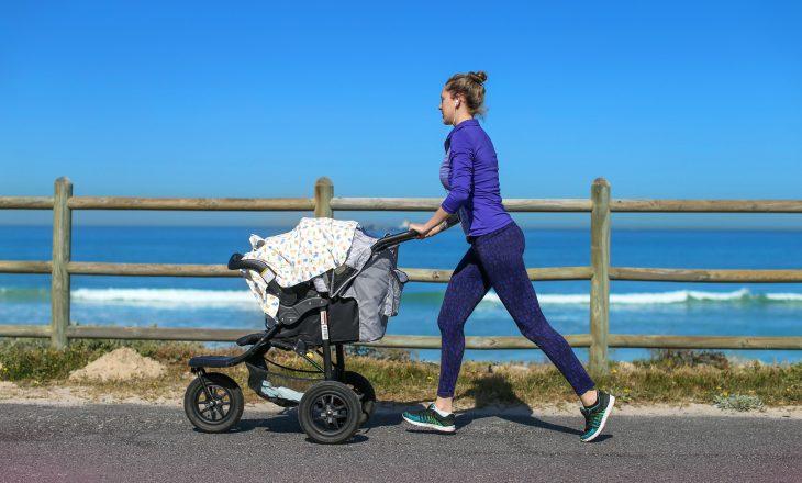 Mos mbuloni karrocën me batanije – mund të vë foshnjën tuaj në rrezik