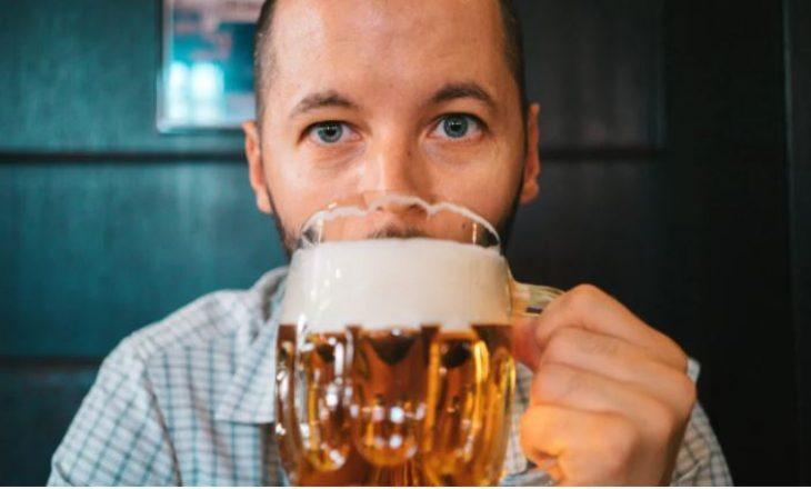 Pse ju kap lemza kur pini alkool?