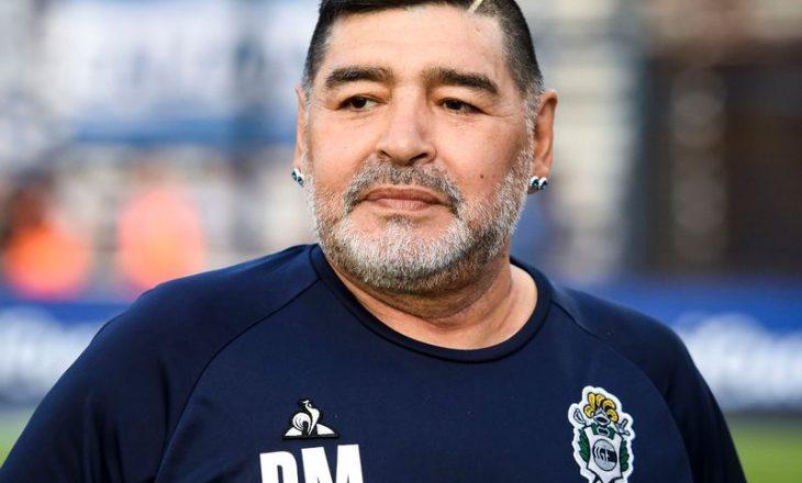 Maradona po shërohet pas operacionit në tru